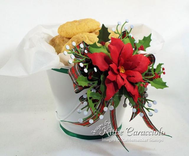 KC Rubbernecker 5169D Poinsettia #2 15 filled cookies